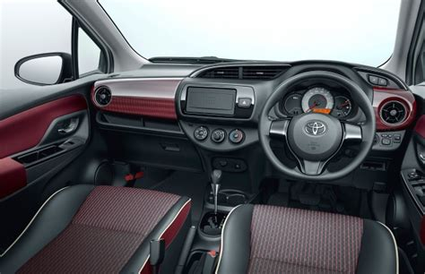 Toyota Yaris facelifted again – new Hybrid for Japan